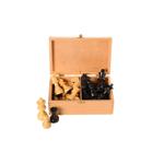 Picture of Schaakstukken Staunton gepolijst, India, verpakt in houten kist, hoogte koning 76 mm (no.3)